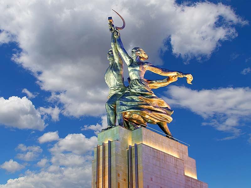 雕像工人和集体农庄的经济成果展